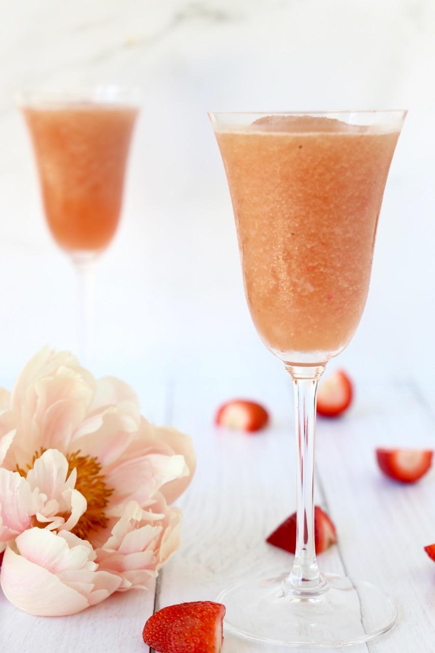Frosé (Frozen Rosé)