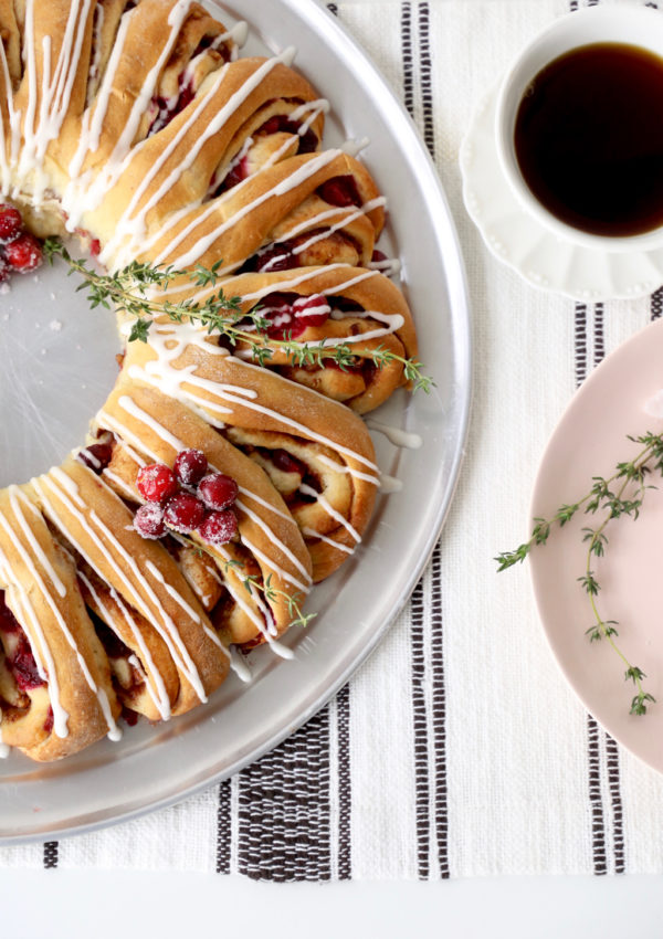 Cranberry Orange Cinnamon Roll Wreath